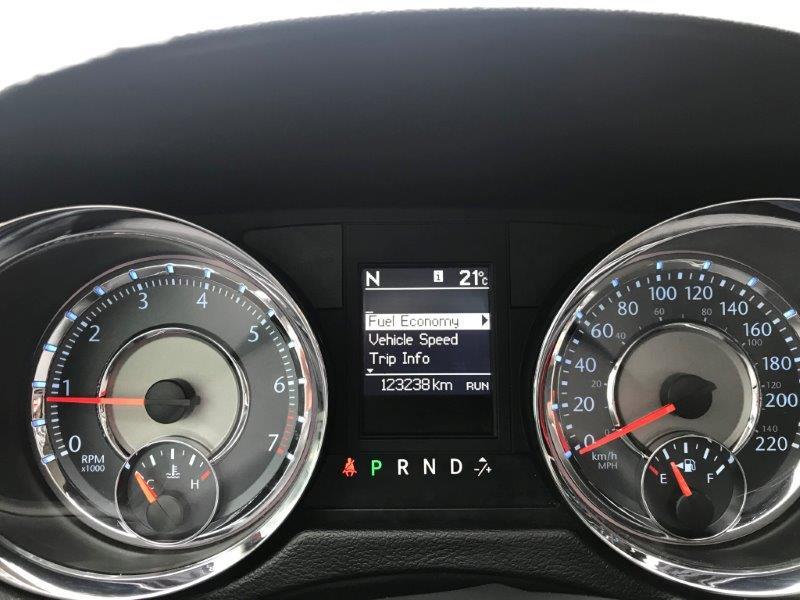 2011 Chrysler T&C14