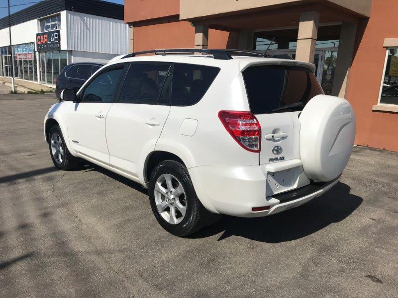 2011 Toyota RAV5