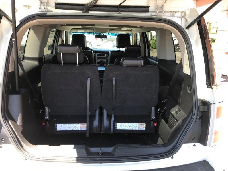 2009 Ford Flex11