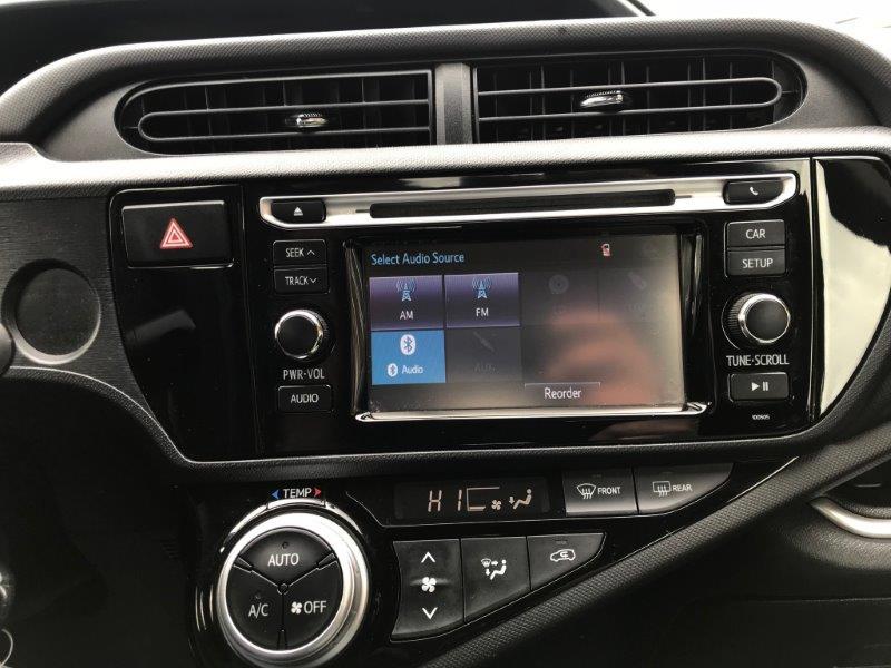 2015 Prius12