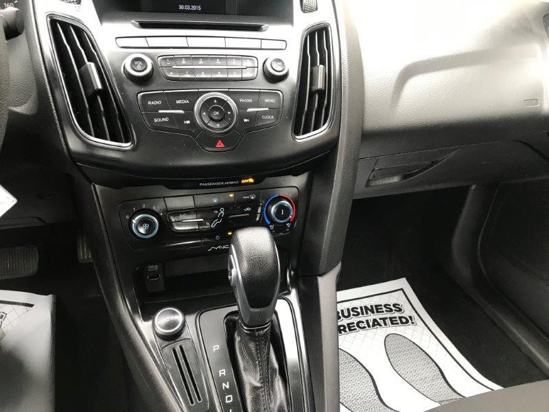 2015 Ford Focus11