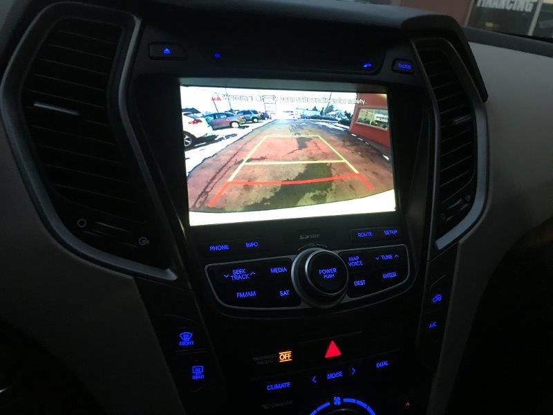 2016 Hyundai Santa Fe23