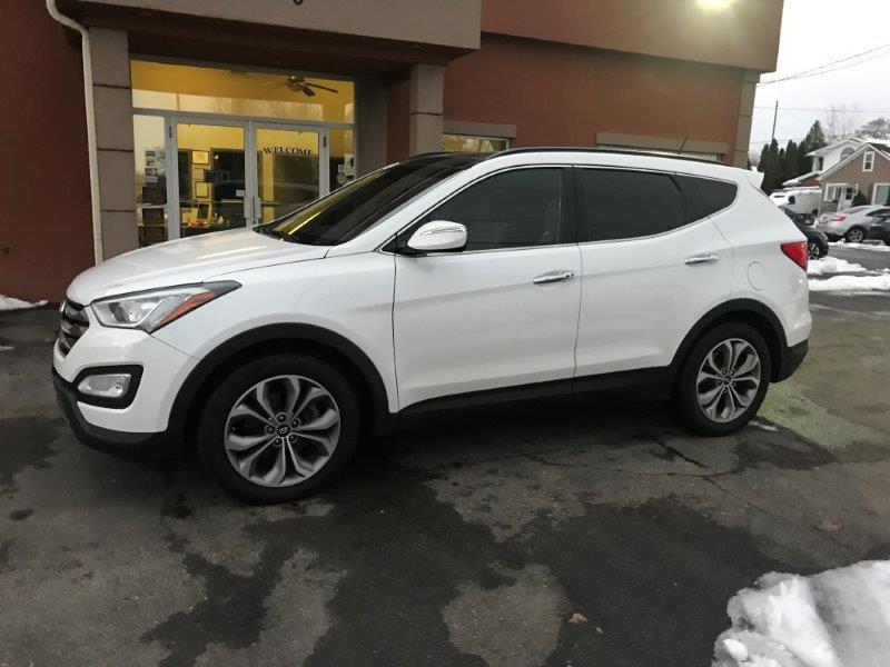 2016 Hyundai Santa Fe8