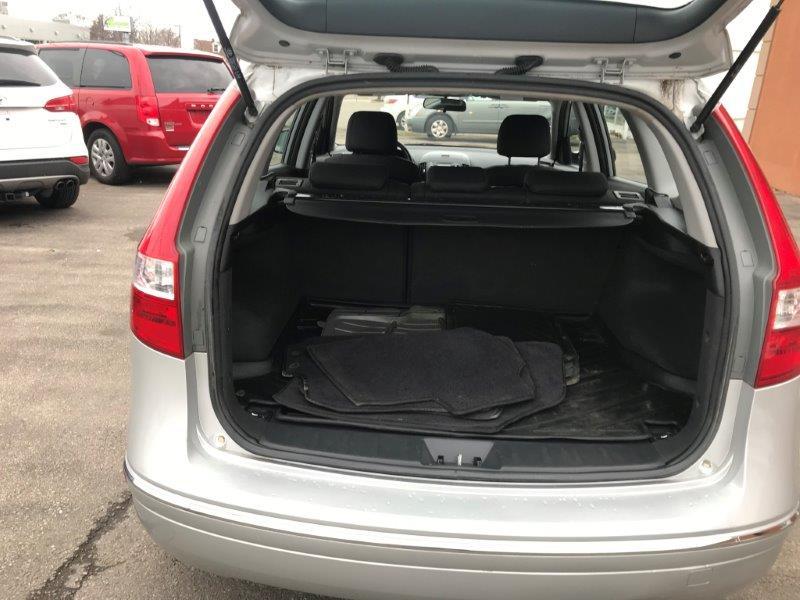 2012 Hyundai Elantra Trg11