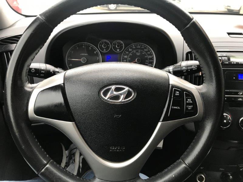 2012 Hyundai Elantra Trg15