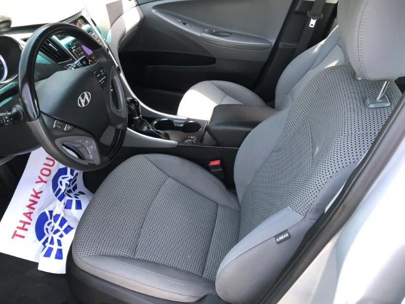 2011 Hyundai Sonata9