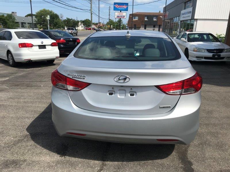 2012 Hyundai Elantra6