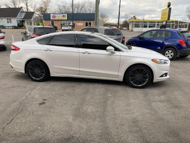 2013 Ford Fusion8