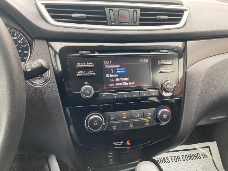 2016 Nissan Rogue12