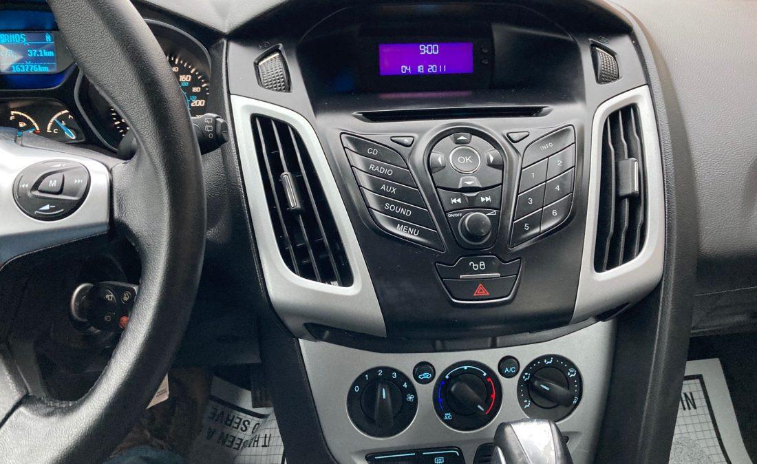 2012 Ford Focus11