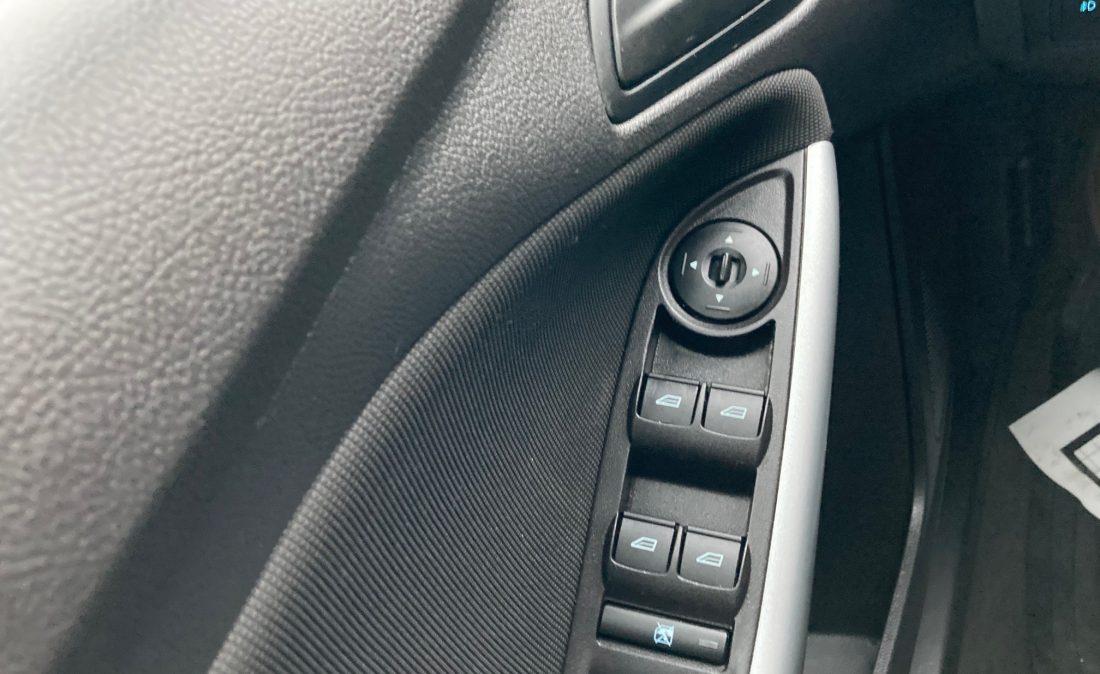 2012 Ford Focus15