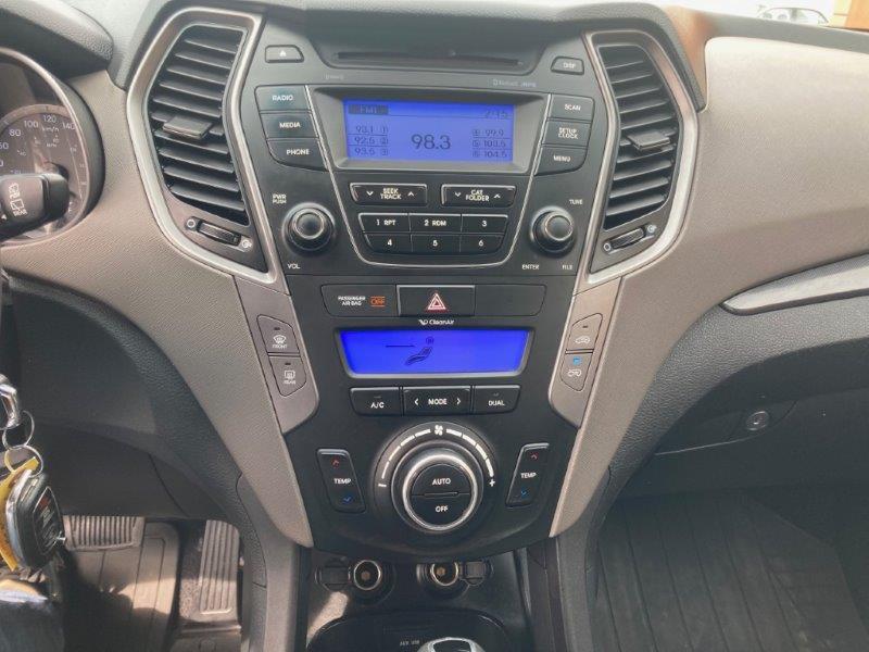 2013 Hyundai Santa Fe12