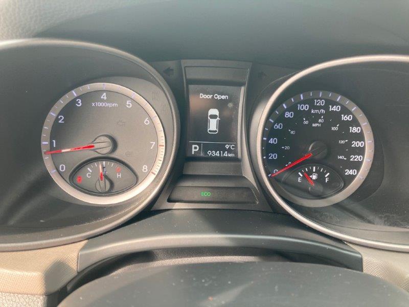 2013 Hyundai Santa Fe15