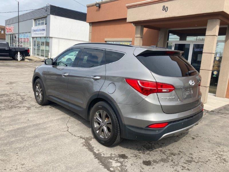 2013 Hyundai Santa Fe5