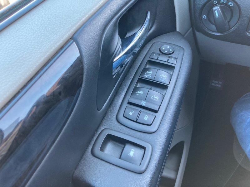 2013 Dodge Grand Caravan14
