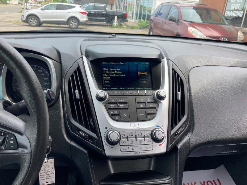 2017 Chevy Equinox12