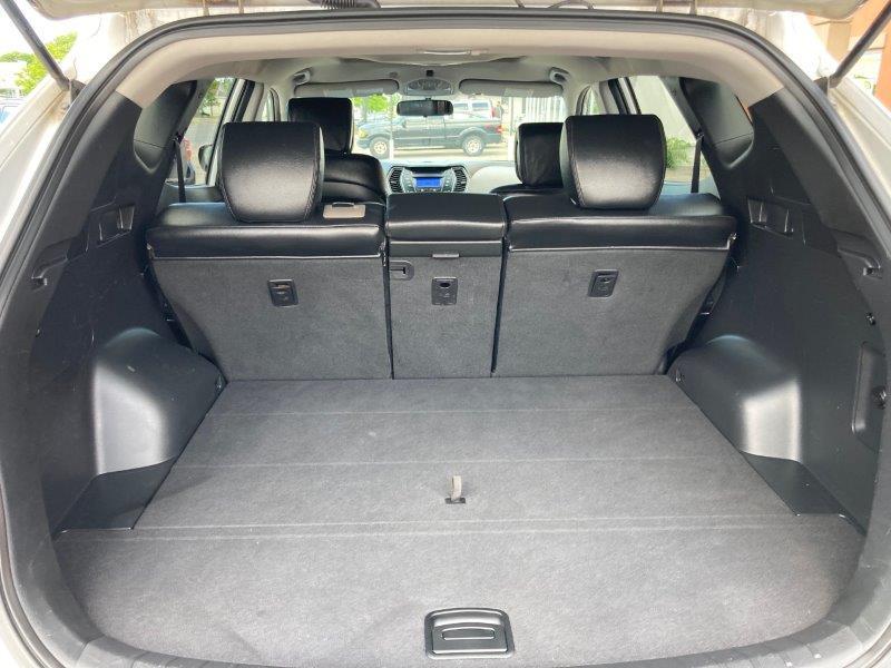 2014 Hyundai Santa Fe11