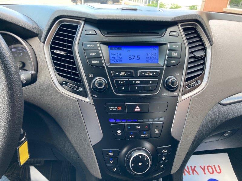 2014 Hyundai Santa Fe12