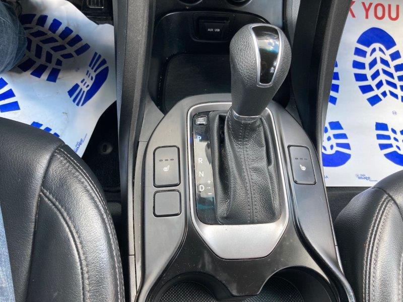 2014 Hyundai Santa Fe13
