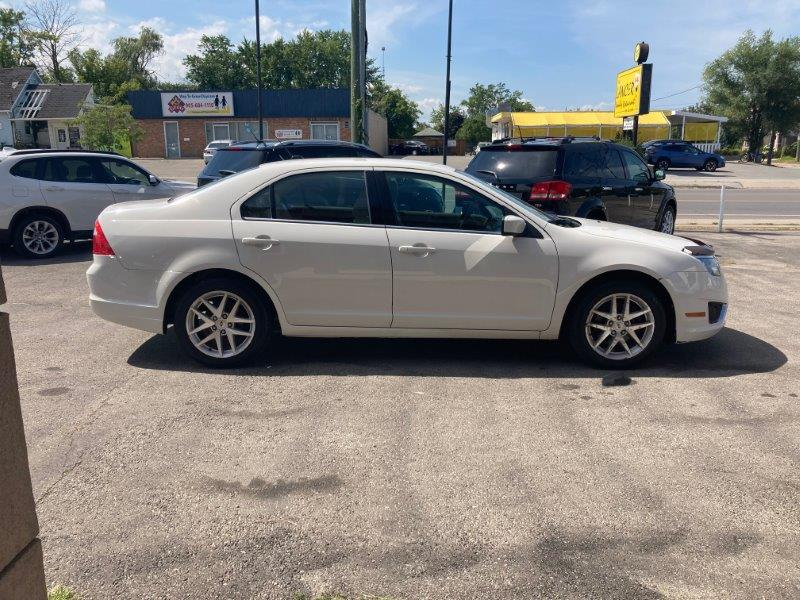 2010 Ford Fusion8